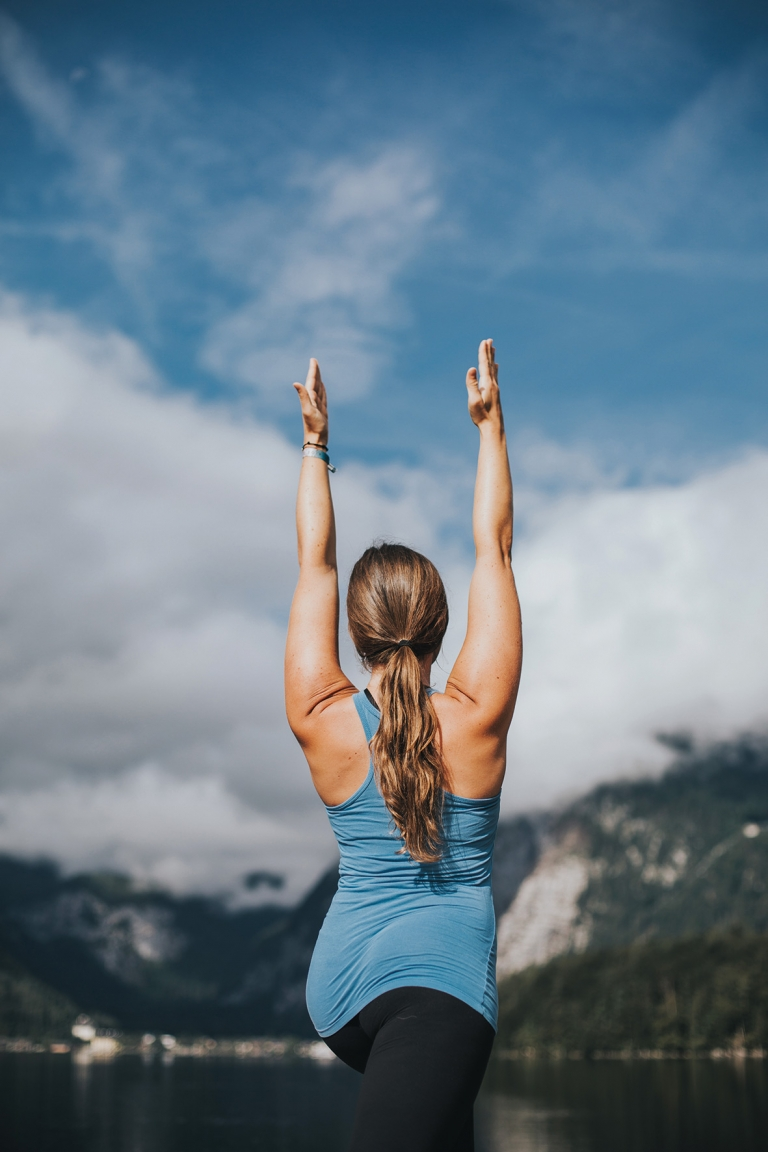 Yoga in den Bergen