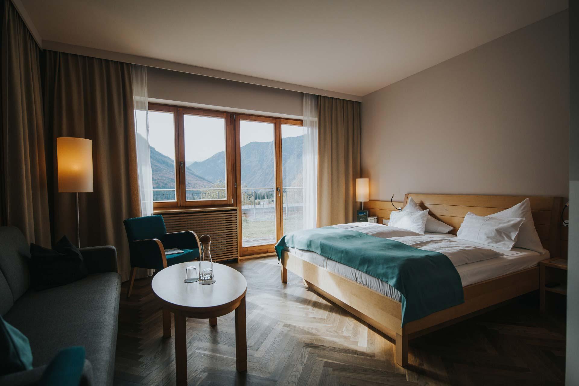 Premium Doppelzimmer Dachstein mit Ausblick auf den Dachsteingletscher - die wasnerin
